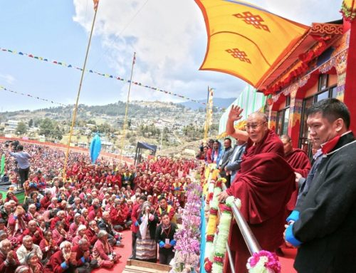 Dalai lama reaches Tawang, receives warm welcome
